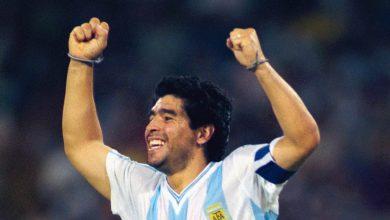 Photo of Football legend Maradona dies