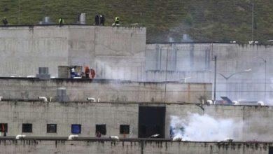 Photo of Ecuador prison riots claim 62
