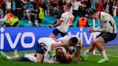 Photo of England stand on brink of history