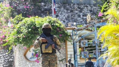 Photo of Haiti police hunt down president's assassins