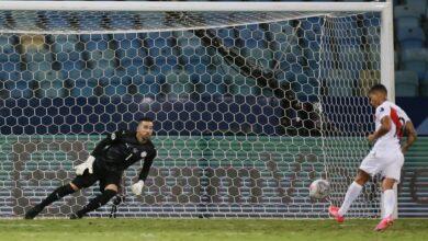 Photo of Peru move into Copa semi