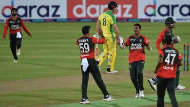 Photo of Bangladesh crashes Australia