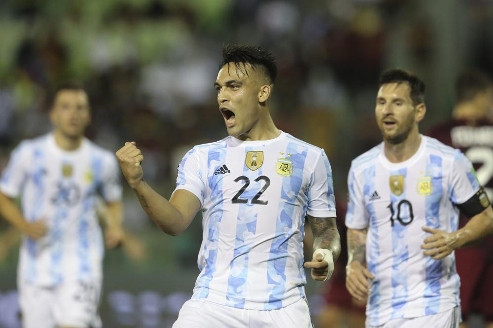 Argentina beats Venezuela in WC qualifiers
