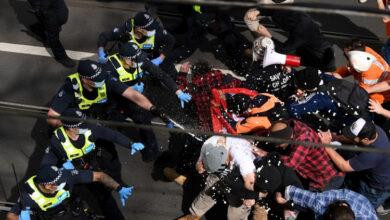 Photo of Anti-lockdown protesters clash with police in Australia