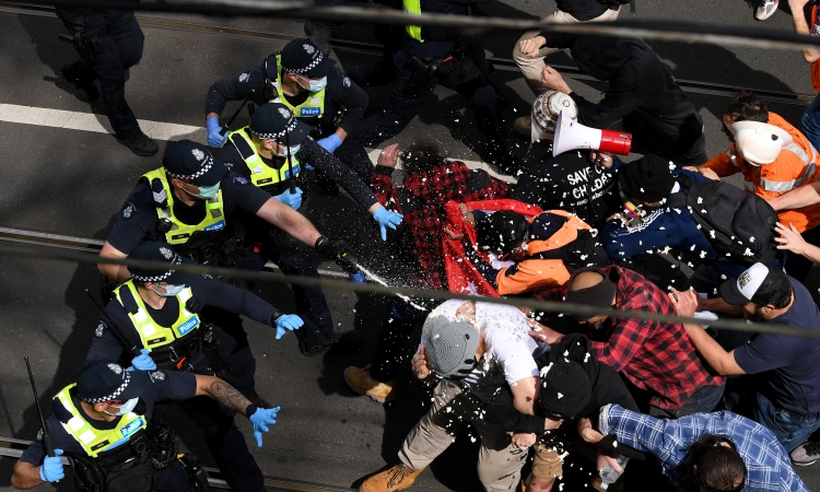 Anti-lockdown protesters clash with police in Australia